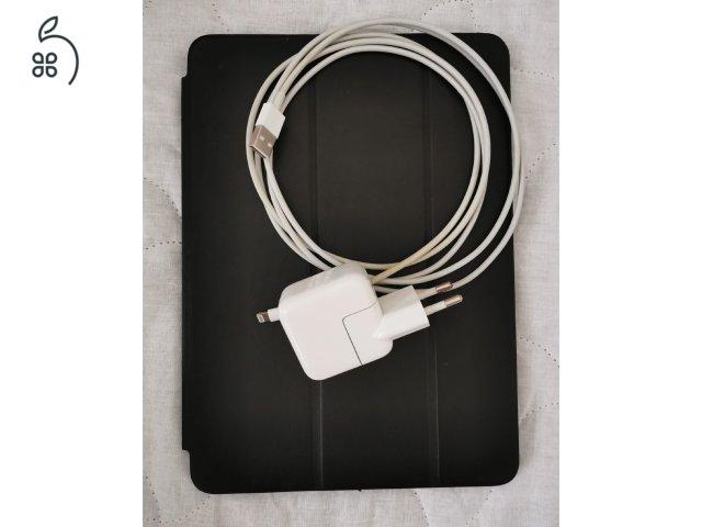 Apple iPad Air 2 16GB Silver + Apple vagy Speck tok