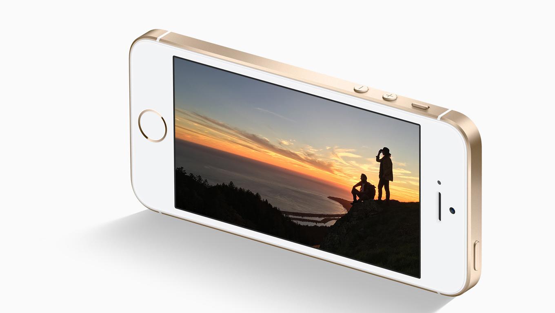 Az emberek igazán elégedettek az iPhone SE-vel