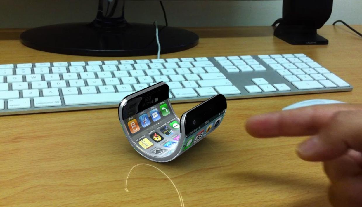 Az iPhone X-nél is forradalmibb új mobilon dolgozik az Apple