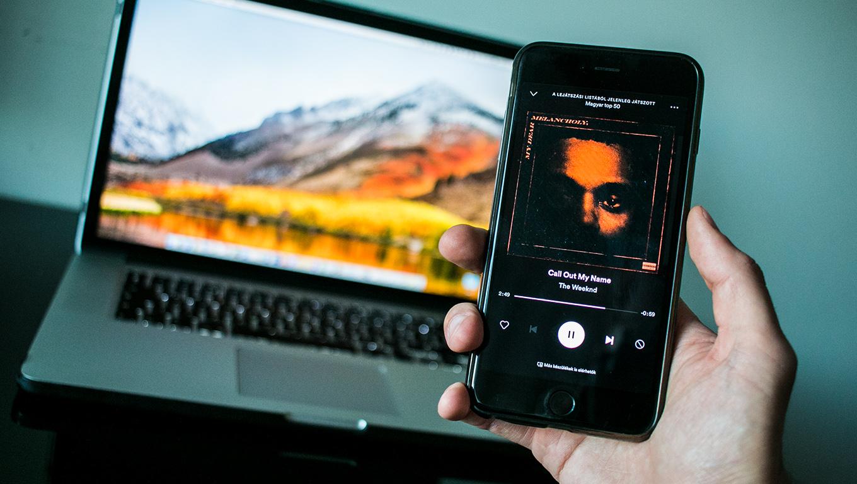 Egy euróért fizethetünk elő az Apple Music népszerű vetélytársára!