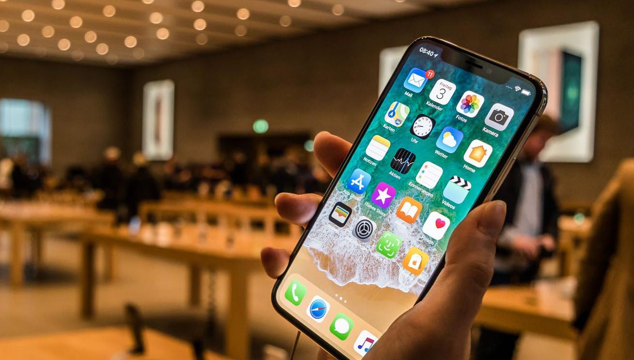 Az iPhone-ok jó pénzt hoznak az Apple-nek, de az iPadet és a Macet nem bírják feljebb futtatni