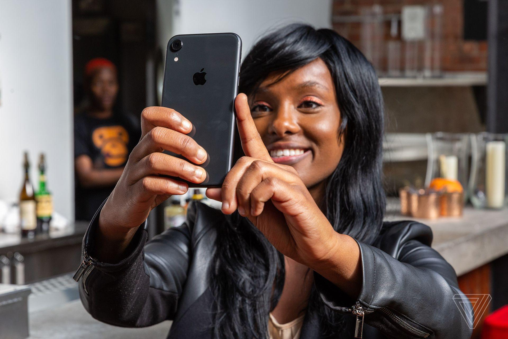 Az Apple javítja az új iPhone-ok egyik legkülönösebb hibáját