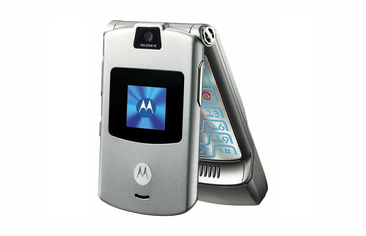 Összecsukható kijelzős mobilt dobna piacra a Motorola