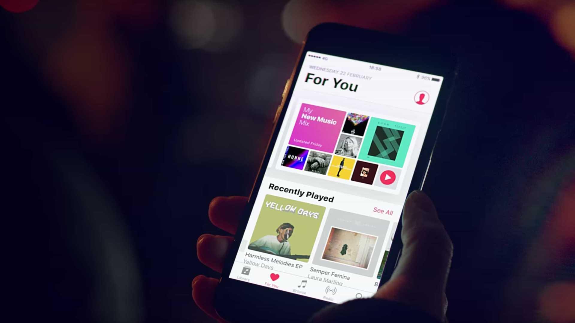 Most egy hónap ingyen Apple Music-ot ajándékozhatsz!