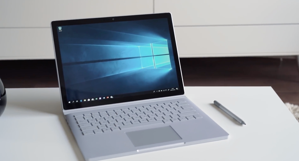 Microsoft Surface Book 2 tesz - by Handras [videó]