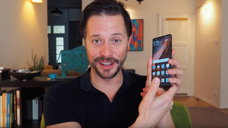 51863c1dd0 Magyarósi Csaba már hetek óta teszteli a Huawei P30 Prót - íme a véleménye!