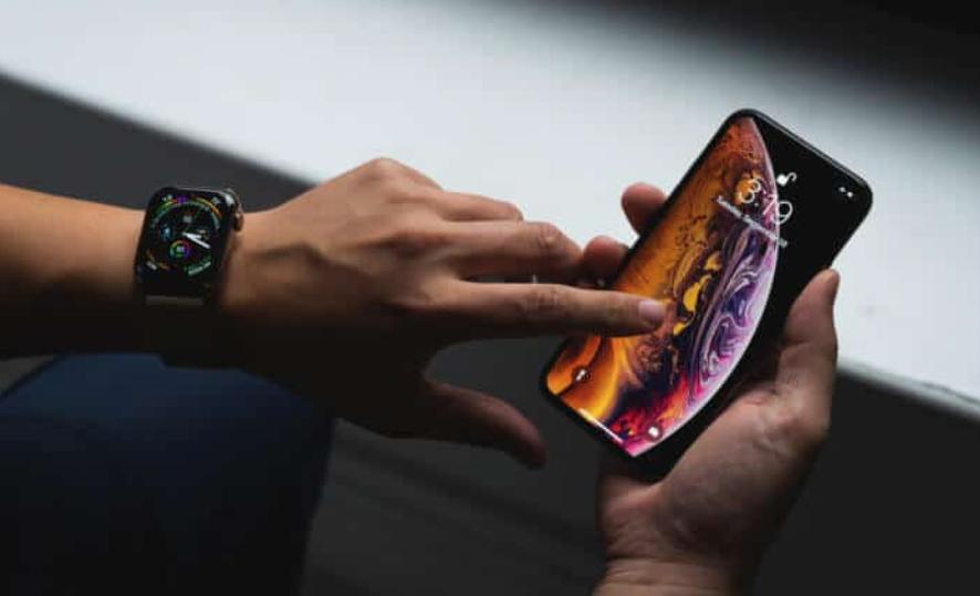 2021-ben érkezhet csak a notch nélküli iPhone