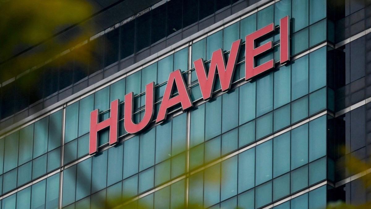 Trumpék véget vethetnek a Huawei ellenni kereskedelmi tilalomnak