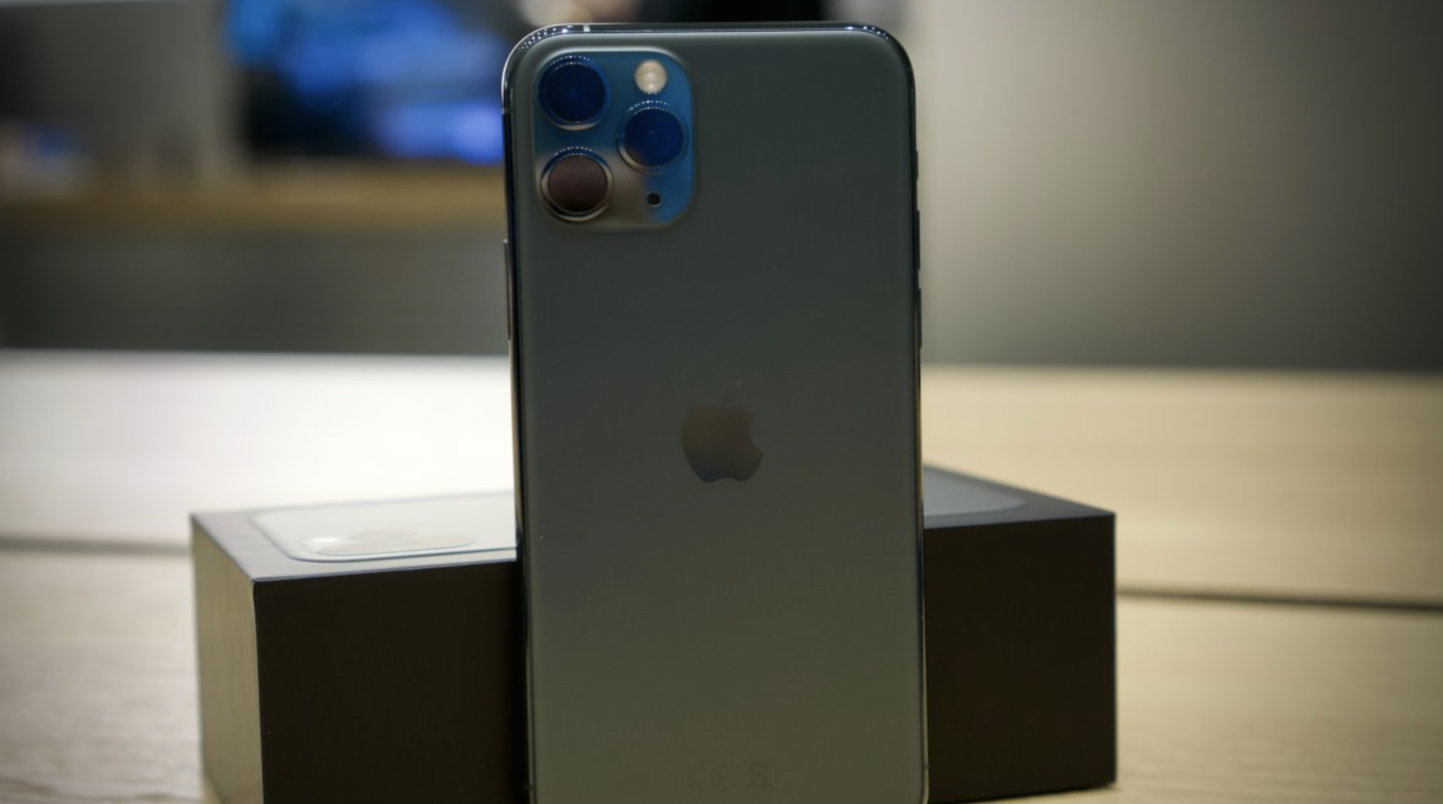 Vajon melyik iPhone akkumulátora bírja a legtovább egy feltöltéssel?